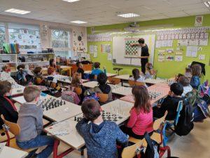 Read more about the article Les CE découvrent les Echecs